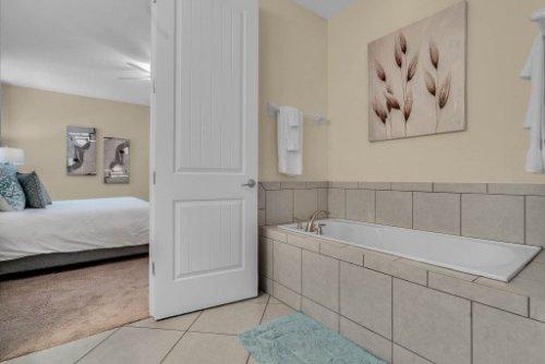 230-Minton-Loop--Kissimmee--FL-34747----17---Master-Bathroom.jpg