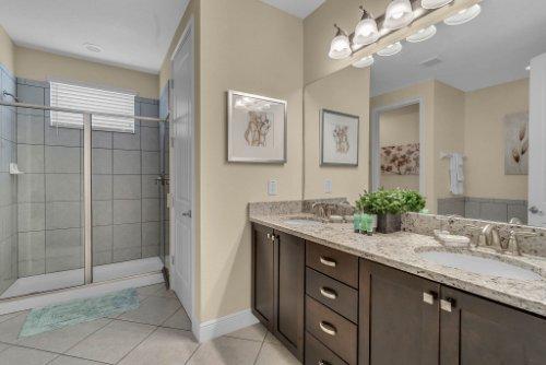 230-Minton-Loop--Kissimmee--FL-34747----19---Bathroom.jpg