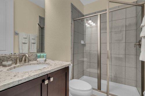 230-Minton-Loop--Kissimmee--FL-34747----22---Bathroom.jpg