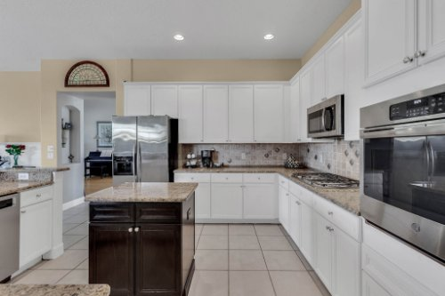 13025-Lake-Roper-Ct--Windermere--FL-34786----Shoot-2---05---Kitchen.jpg