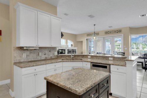 13025-Lake-Roper-Ct--Windermere--FL-34786----Shoot-2---06---Kitchen.jpg