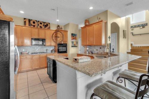 13025-Lake-Roper-Ct--Windermere--FL-34786---11---Kitchen.jpg