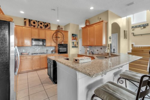 13025-Lake-Roper-Ct--Windermere--FL-34786---11---Kitchen.jpg