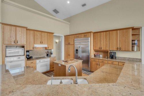 7014-Lake-Willis-Dr--Orlando--FL-32821----15---Kitchen.jpg