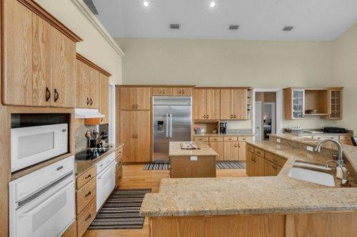7014-Lake-Willis-Dr--Orlando--FL-32821----17---Kitchen.jpg