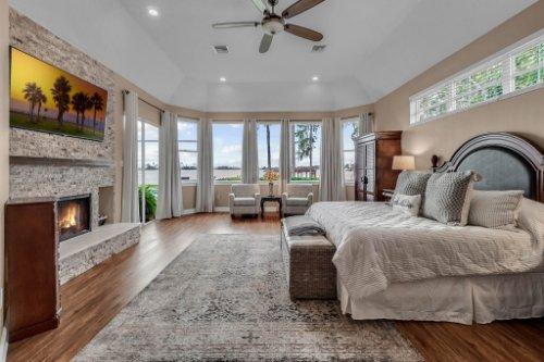7014-Lake-Willis-Dr--Orlando--FL-32821----19---Master-Bedroom.jpg