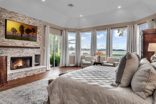 7014-Lake-Willis-Dr--Orlando--FL-32821----21---Master-Bedroom.jpg