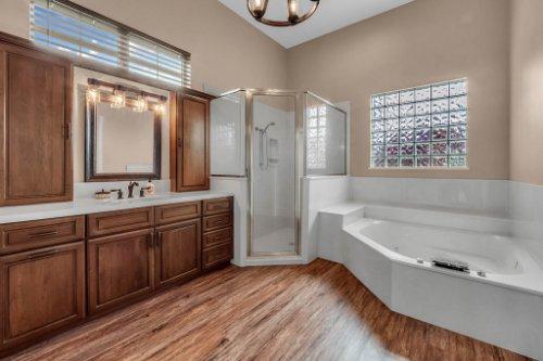 7014-Lake-Willis-Dr--Orlando--FL-32821----23---Master-Bedroom.jpg