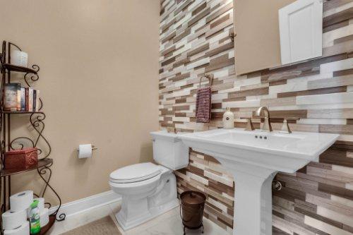 7014-Lake-Willis-Dr--Orlando--FL-32821----24---Bathroom.jpg