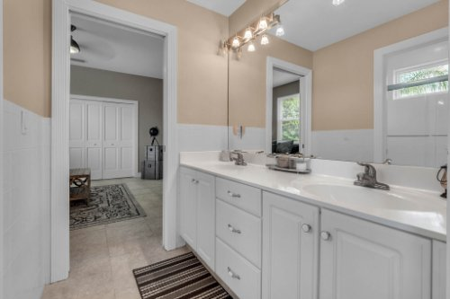7014-Lake-Willis-Dr--Orlando--FL-32821----26---Bathroom.jpg
