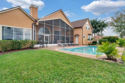 7014-Lake-Willis-Dr--Orlando--FL-32821----37---Backyard.jpg