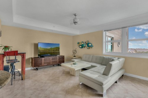 750-N-Tamiami-Trail-Unit-607-Sarasota--FL-34236--04--Living-Room-1---2.jpg