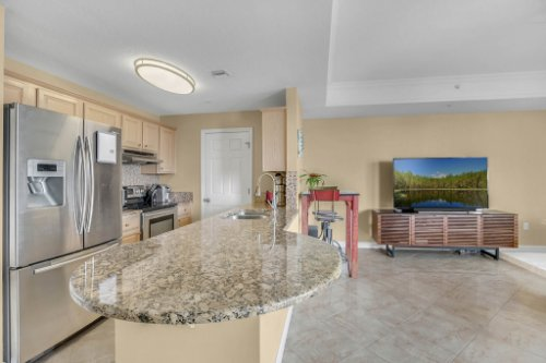 750-N-Tamiami-Trail-Unit-607-Sarasota--FL-34236--05--Kitchen-1---1.jpg