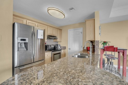750-N-Tamiami-Trail-Unit-607-Sarasota--FL-34236--06--Kitchen-1---2.jpg