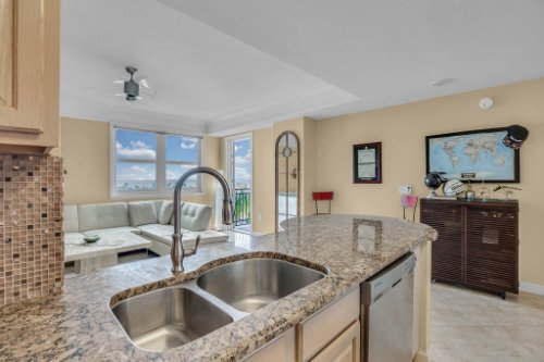 750-N-Tamiami-Trail-Unit-607-Sarasota--FL-34236--07--Kitchen-1---3.jpg