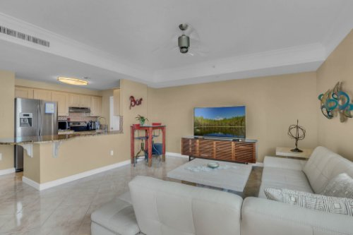 750-N-Tamiami-Trail-Unit-607-Sarasota--FL-34236--11--Living-Room-1---3.jpg