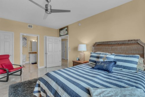 750-N-Tamiami-Trail-Unit-607-Sarasota--FL-34236--15--Bedroom-1---3.jpg
