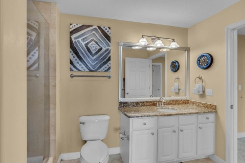750-N-Tamiami-Trail-Unit-607-Sarasota--FL-34236--17--Bathroom-1---2.jpg