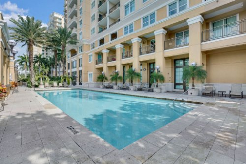 750-N-Tamiami-Trail-Unit-607-Sarasota--FL-34236--24--Pool.jpg