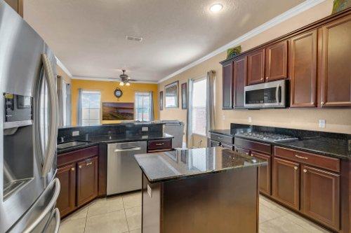 2252-Rickover-Pl--Winter-Garden--FL-34787----09---Kitchen.jpg