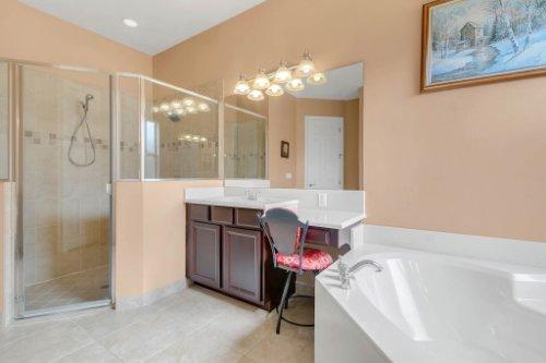2252-Rickover-Pl--Winter-Garden--FL-34787----22---Master-Bathroom.jpg