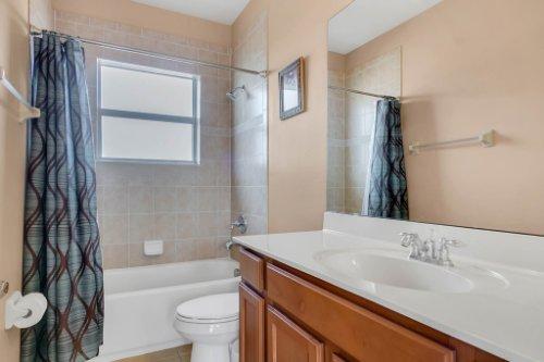 2252-Rickover-Pl--Winter-Garden--FL-34787----27---Bathroom.jpg