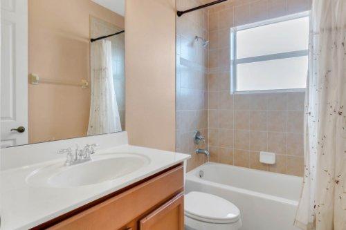 2252-Rickover-Pl--Winter-Garden--FL-34787----29---Bathroom.jpg