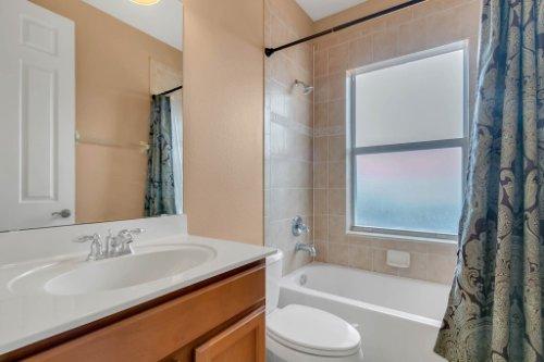 2252-Rickover-Pl--Winter-Garden--FL-34787----32---Bathroom.jpg
