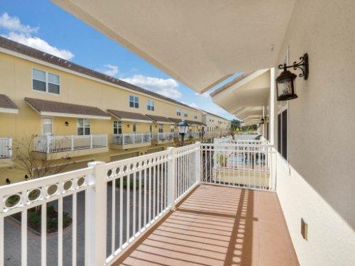 759-Greybull-Run--Lake-Mary--FL-32746----26---Balcony.jpg