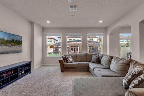 8793-Crescendo-Ave--Windermere--FL-34786---07---Family-Room.jpg