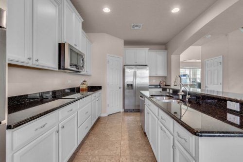 8793-Crescendo-Ave--Windermere--FL-34786---10---Kitchen.jpg