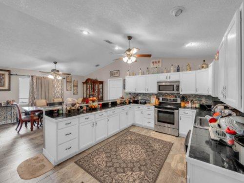 1035-10th-St--Osteen--FL-32764---11---Kitchen.jpg