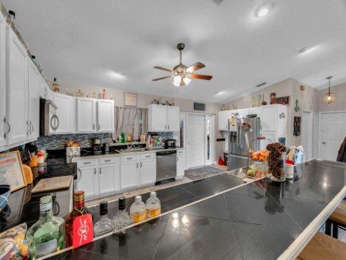 1035-10th-St--Osteen--FL-32764---12---Kitchen.jpg