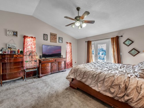 1035-10th-St--Osteen--FL-32764---14---Master-Bedroom.jpg