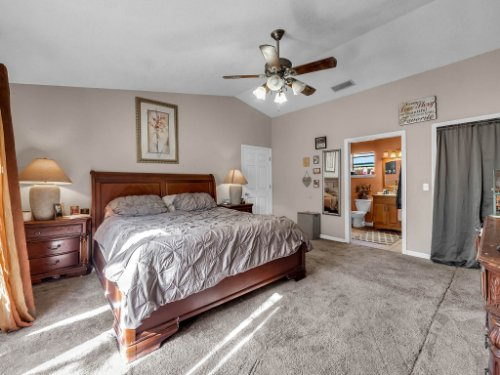 1035-10th-St--Osteen--FL-32764---15---Master-Bedroom.jpg