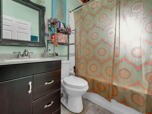1035-10th-St--Osteen--FL-32764---18---Bathroom.jpg