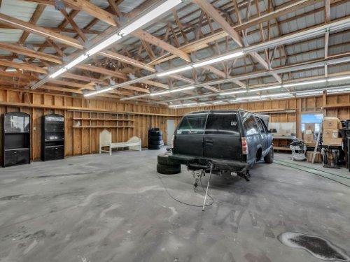 1035-10th-St--Osteen--FL-32764---25---Garage.jpg
