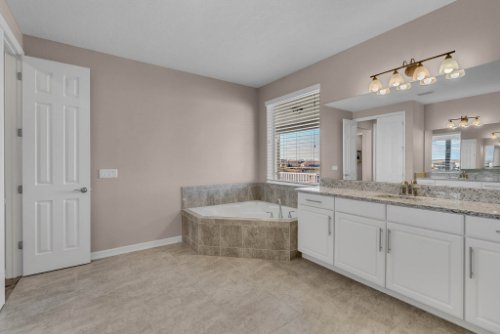 16166-Johns-Lake-Overlook-Dr--Winter-Garden--FL-34787----29---Master-Bathroom.jpg