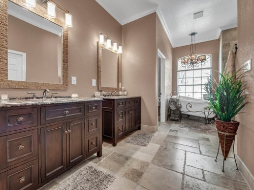732-Preserve-Terrace--Lake-Mary--FL-32746----24---Master-Bathroom.jpg