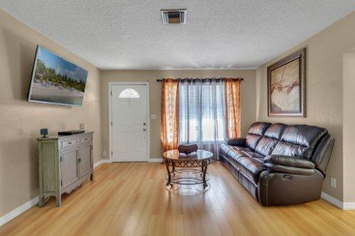 532-El-Dorado-Way--Casselberry--FL-32707----07---Family-Room.jpg