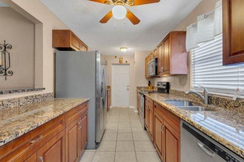 532-El-Dorado-Way--Casselberry--FL-32707----11---Kitchen-Edit.jpg