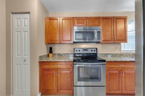 532-El-Dorado-Way--Casselberry--FL-32707----12---Kitchen-Edit.jpg