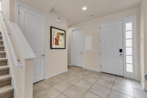 2679-Corvette-Ln--Kissimmee--FL-34746----03---Foyer.jpg