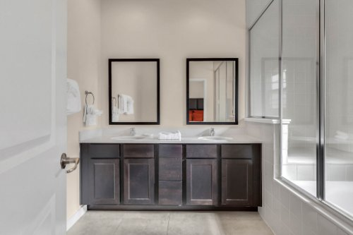 2679-Corvette-Ln--Kissimmee--FL-34746----16---Master-Bathroom.jpg
