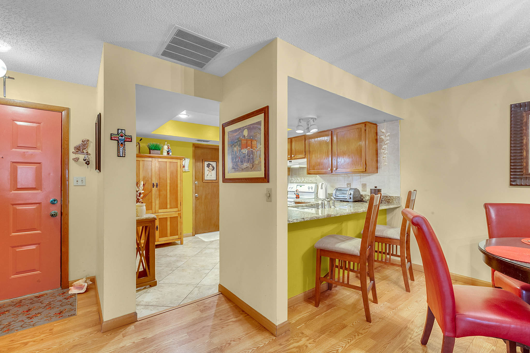 6812-Bonavista-Ct--Winter-Park--FL-32792----04---Kitchen.jpg