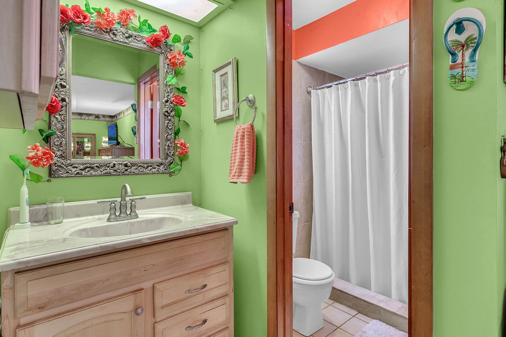 6812-Bonavista-Ct--Winter-Park--FL-32792----14---Master-Bathroom.jpg