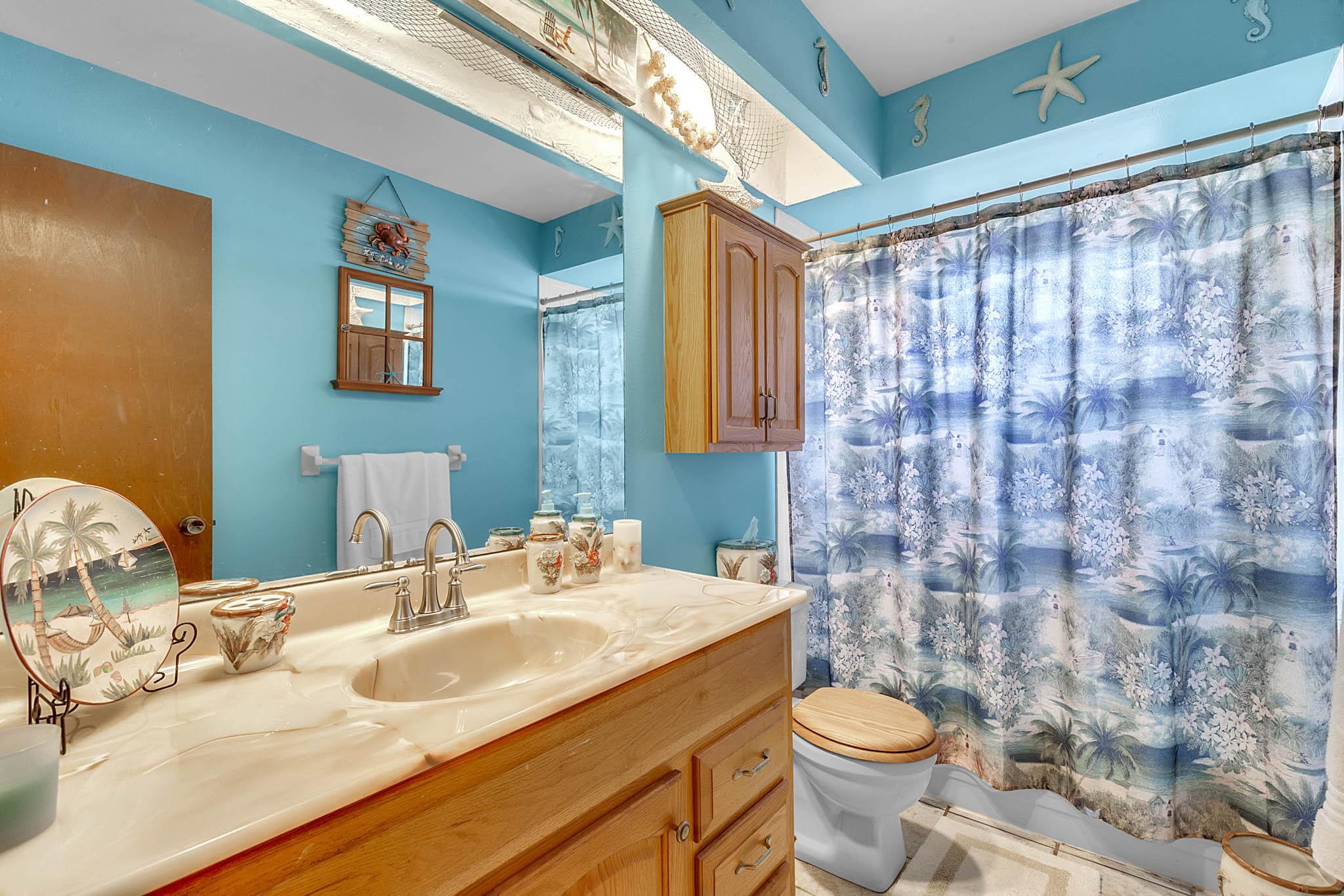 6812-Bonavista-Ct--Winter-Park--FL-32792----16---Bathroom.jpg