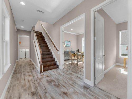 12643-Banting-Terrace--Orlando--FL-32827---08---Foyer.jpg