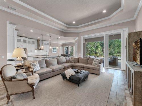 12643-Banting-Terrace--Orlando--FL-32827---15---Family-Room.jpg
