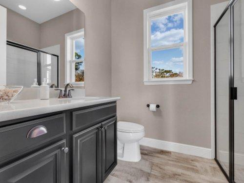 12643-Banting-Terrace--Orlando--FL-32827---41---Bathroom.jpg